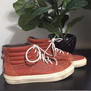 LEATHER TAN VANS SIZE Women 8/ Men 6.5